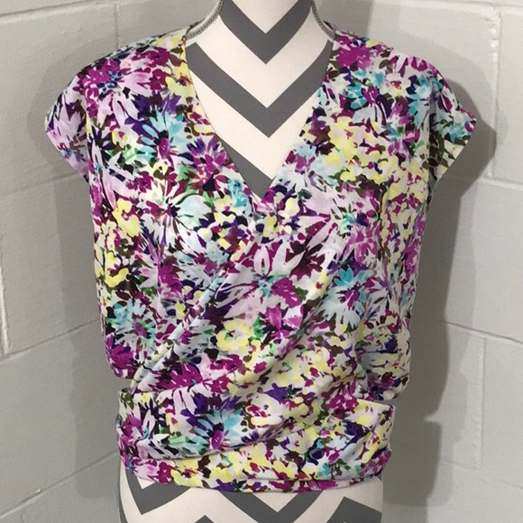 4682397ff29 CAbi EDEN FLORAL BLOUSE (Style #5211), Size Small